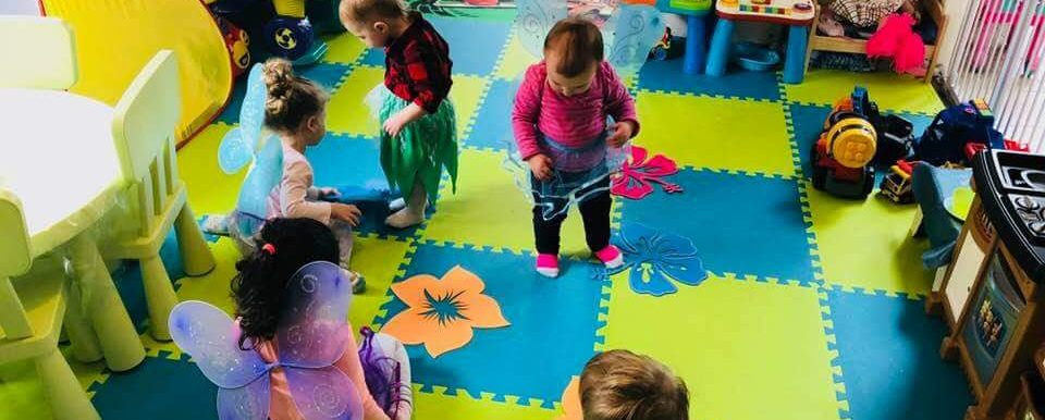 home daycare 24/7 in Barrie Ontario child care childcare in Barrie Ontario Summer camp  infant toddler preschool care
